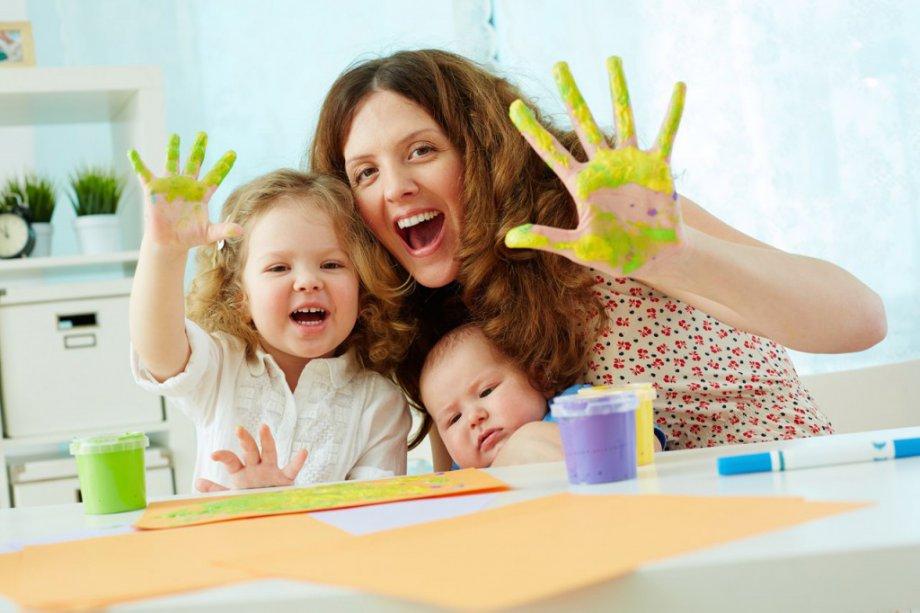 Открытое занятие в школе рисования для малышей