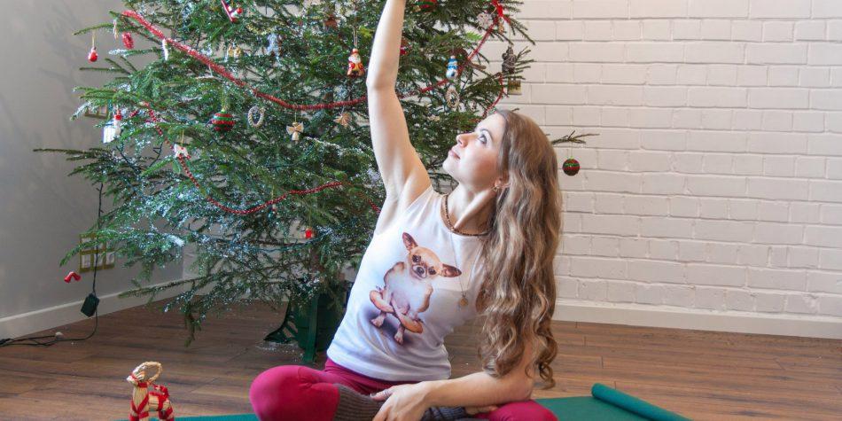 Йога-ёлка для взрослых