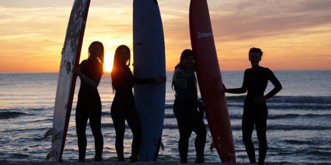 Урок серфинга в Зеленоградске с школой серфинга и САП-серфинга Baltic SUP&SURF