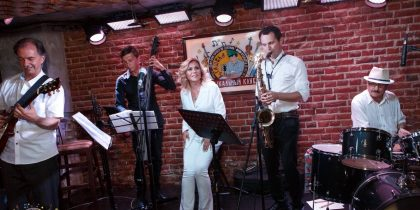 "FRIJAZZ Band -""Hot Jazz's Version"""